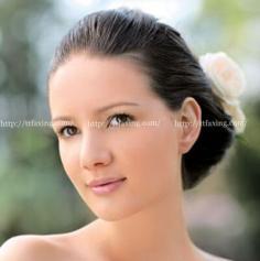 适合户外婚礼的新娘发型图片 与婚礼完美搭配