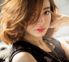 DIY女士中长发发型图片 4步让你瞬间变女神