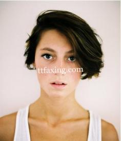 女生流行短发发型 完美演绎新时尚