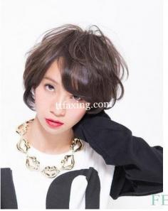 简单时尚短卷发发型 清新时尚显气质