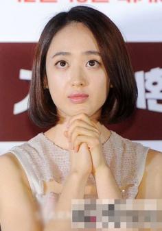 韩国女星演绎短发烫发发型 韩式短发甜美可爱