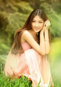 长直发发型设计图片 摇身一变成为唯美甜美女生