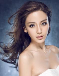 秋季女生直发长发发型 如痴如梦如幻的飘逸灵动