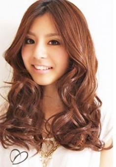 圆脸MM美丽招 十款瘦脸发型