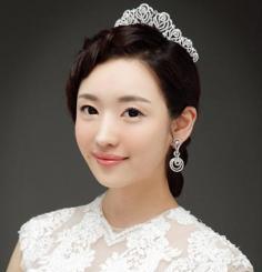 超唯美韩式盘发 打造精致出彩新娘