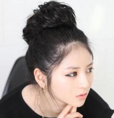 简单时尚的韩式蓬松丸子头,打造简约时尚的你