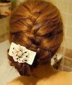 韩国蜈蚣辫发型扎法步骤教你扎出蜈蚣辫花苞头