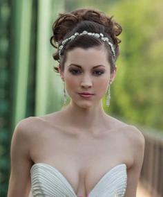 绝美新娘发饰 点缀发型摇曳生姿