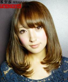 今年流行的发型  直发梨花头发型图片