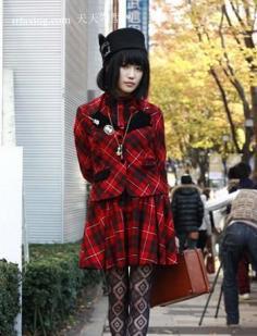 日本瘦脸短发发型 街拍小胖脸明显变小