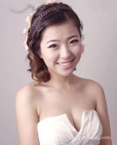 韩式新娘妆容的打造技巧 教你打造出完美韩式新娘妆容