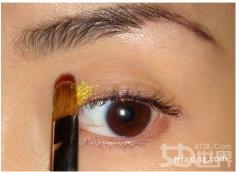 眼妆打造技巧让你拥有电力十足的双眼