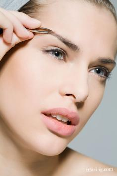 不同脸型眉毛的修法 需根据脸型眼型眉型综合考虑