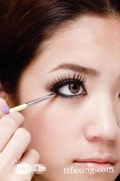 时尚电眼妆怎么画 秀出你的超强电力