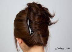 简单盘发发型扎法步骤图解 随手完成清爽干练盘发