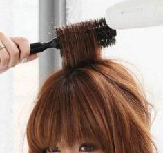 卷发怎么打理才好看 4招教你吹出甜美发型