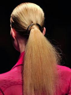 发型DIY小马尾辫 引领2012发型新热潮