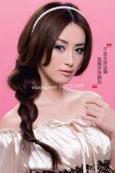 DIY百变超妩媚气质发型 甜美可爱发型