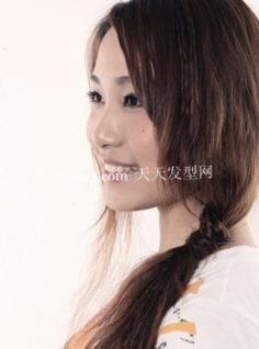 零发饰为发型增添女人味发型DIY 流行美发型