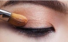 2015复古眼线画法分享 平拉手法打造时尚范