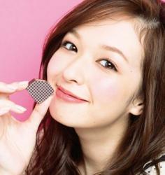 日系甜美妆容来袭 巧克力妆最动人
