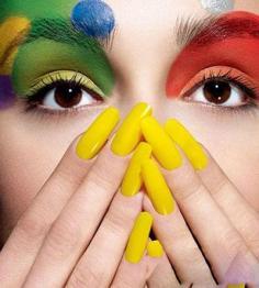 时尚彩色复古妆容 让绚丽缤纷流行色引领潮流