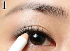 初学化妆怎样画眼影 学画大气眼妆