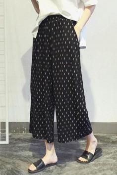 宽腿裤如何搭配上衣 显高显瘦显个性