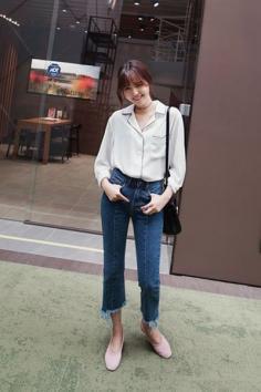 牛仔裤美女街拍 百搭单品魅力又有型