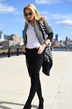 针织衫外套如何搭配 这种穿法时髦又显瘦