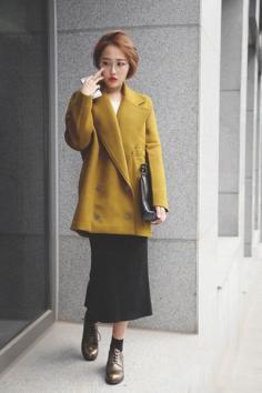 连衣裙如何搭配外套 轻松兼顾风度与温度