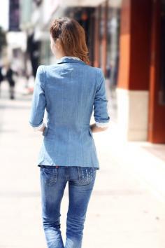 最新潮流蓝色单品搭配服饰 再次引领流行风潮