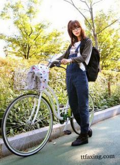 女生甜美背带裤搭配图片 甜美指数百分百