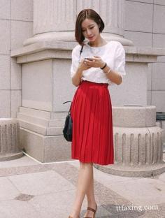 半身裙配什么上衣 T恤+半身裙巧搭配穿出别致可爱风