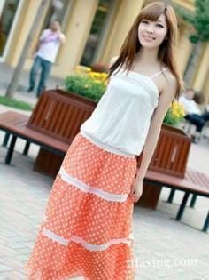 夏日一字领连衣裙穿搭 性感又清凉最受欢迎
