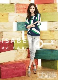OL气质职业装搭配 韩国天然美女金泰熙亲自示范