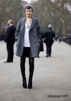 春季潮人街头中性服饰街拍图片 时尚穿着搭配走潮流前线