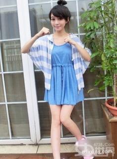 裙装搭配开衫今季最潮 让你时尚出街