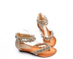 推荐8款平底鞋女生一见倾心的平底凉鞋