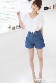 高腰短裤如何搭配 高腰短裤搭配出夏日清爽气质