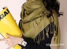 推荐4款秋季三角围巾的各种围法 让你赶上潮流