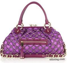 紫色女包凸显贵气 富贵逼人