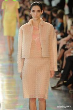 女装流行色 夏季国际最新时尚组合