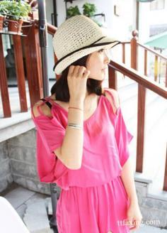 玫红色搭配什么颜色服装 能够让你更加的时尚靓丽