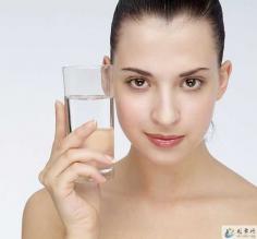 皮肤干燥怎么办 补水保湿是关键