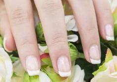 法式美甲步骤图解 让指尖也感受法式浪漫